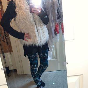 Jackets & Coats - Faux fur trendy winter vest
